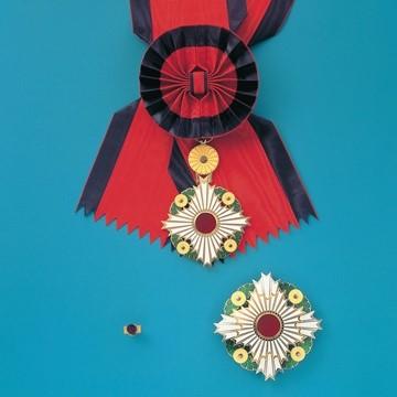 نظام مدالها و افتخارات ژاپن